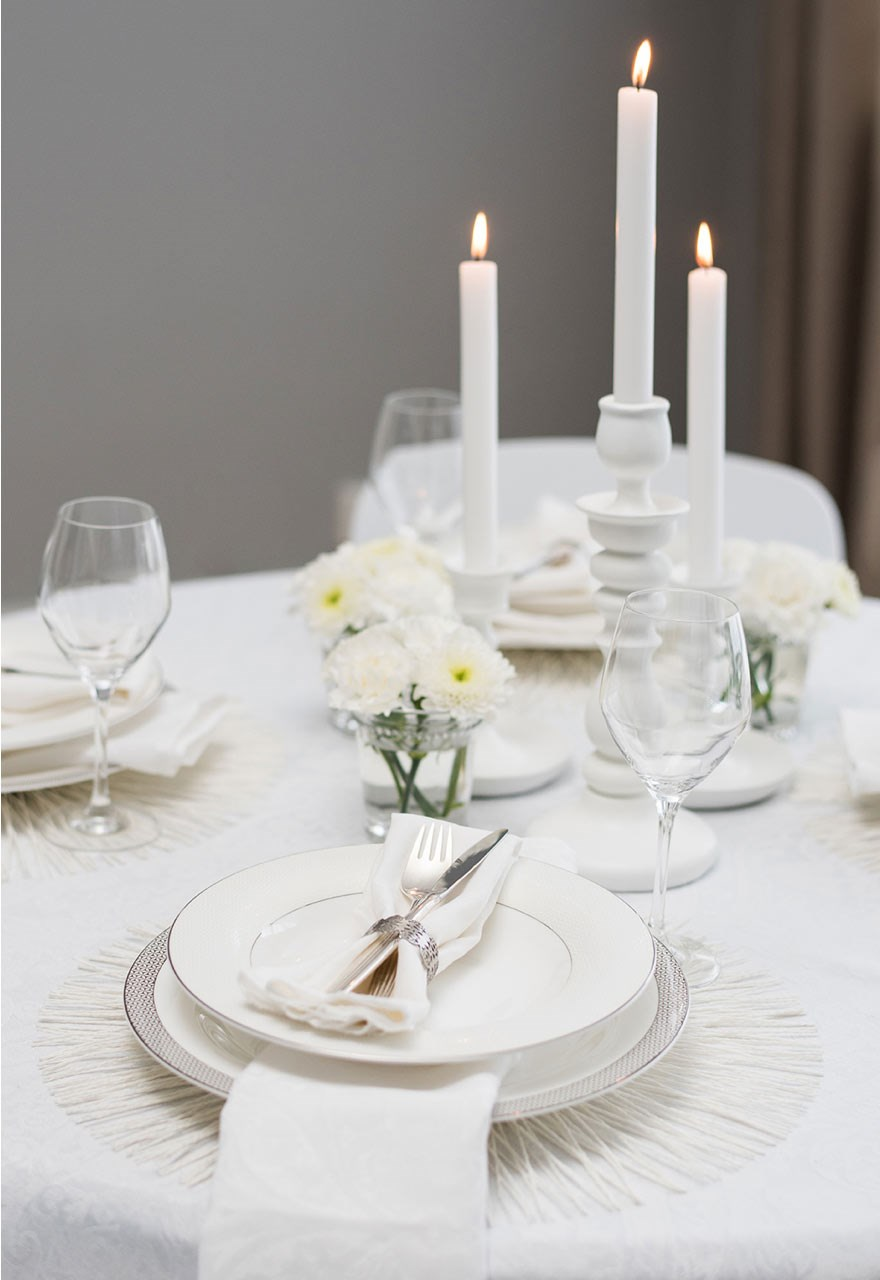 table setting with all white decor