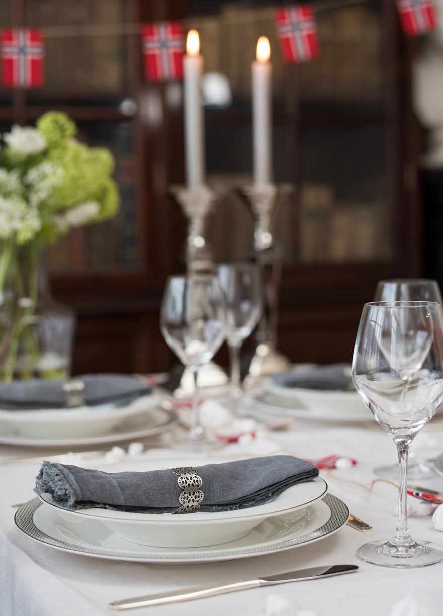 table setting in white and grey