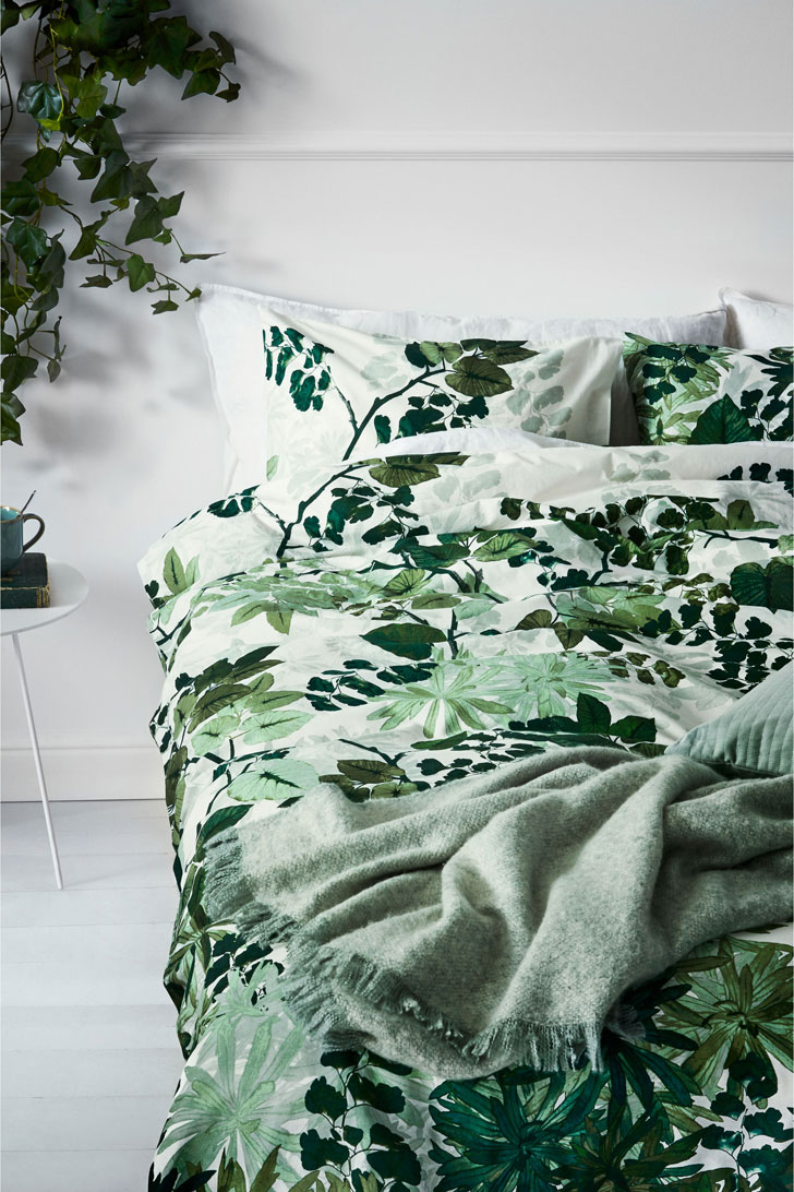 Bedroom in the green