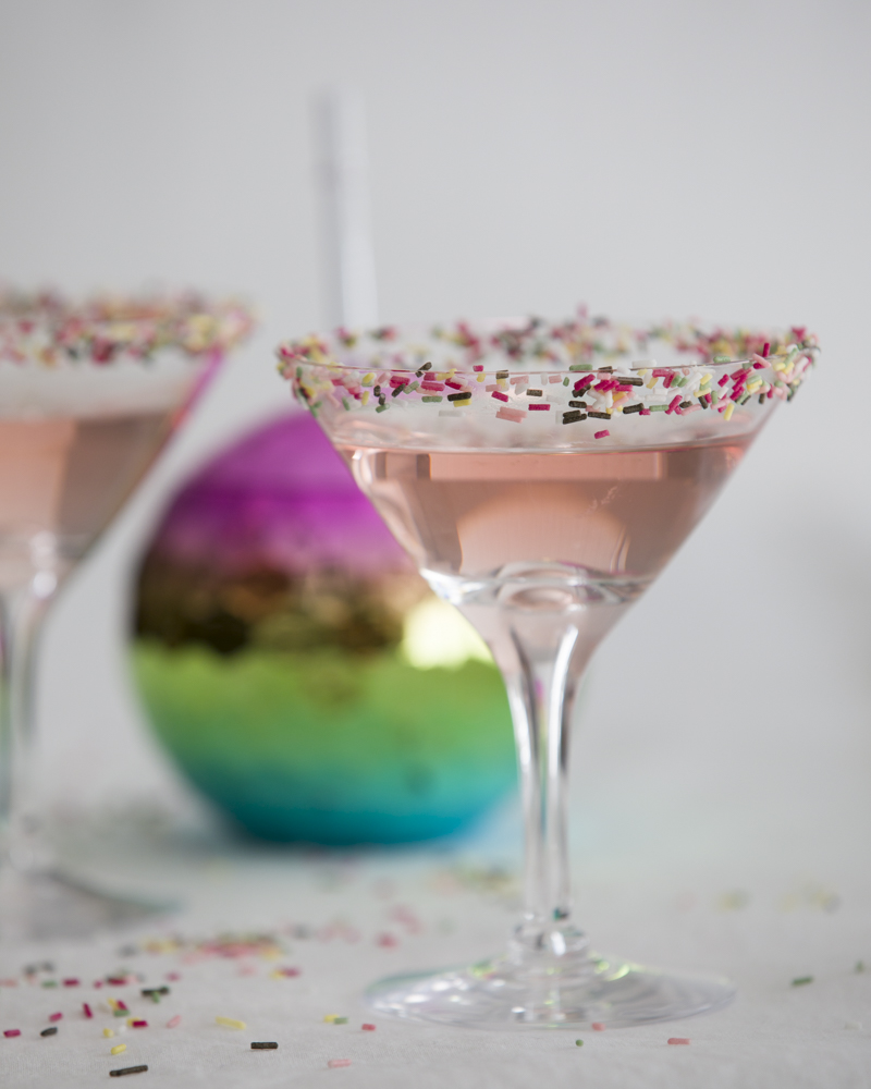 Cocktail with konfetti funfetti rimming