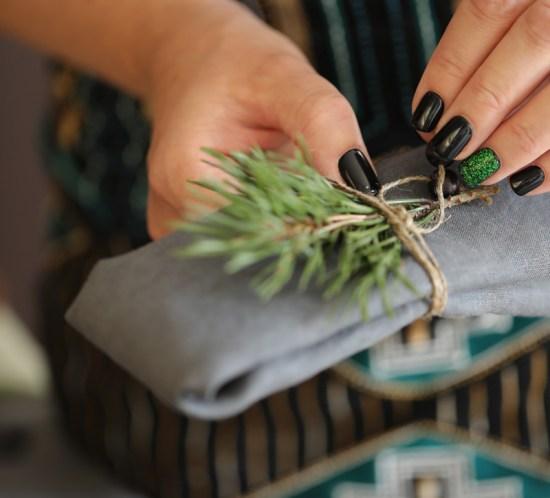 Hvordan lage glitrende negler til jul og nyttår