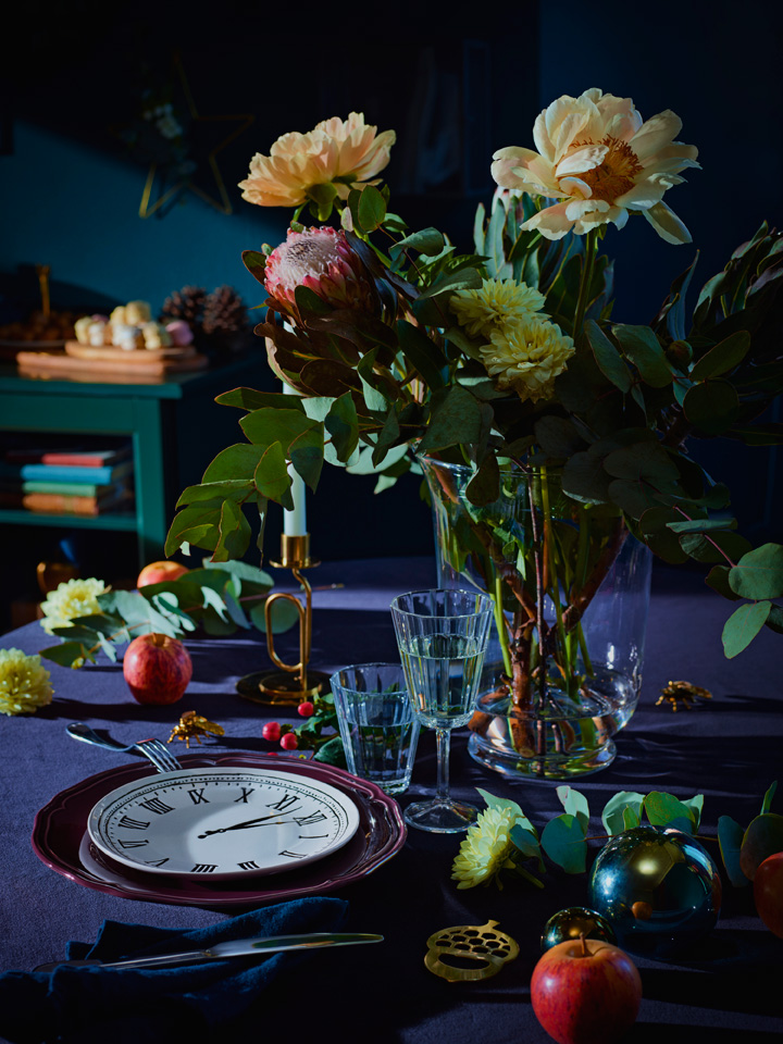 Frodig og fargerik borddekking.