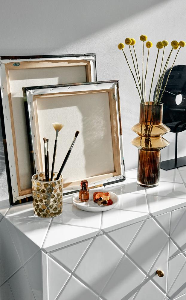 Møbelkolleksjon går i nøytrale farger med innslag av blant annet cognac.