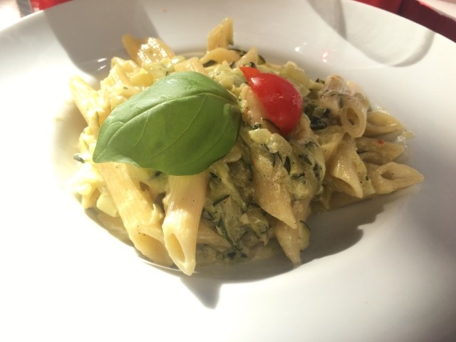 Zucchinipasta med lime
