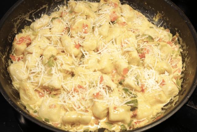 Smörstekt gnocchi med purjolök