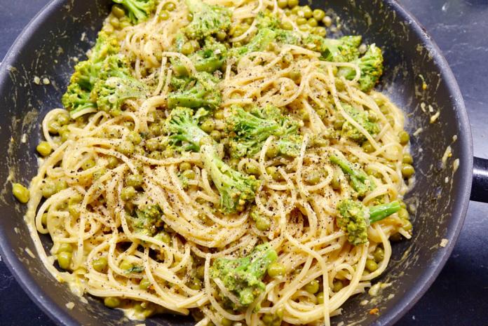 Ärt- och broccolicarbonara