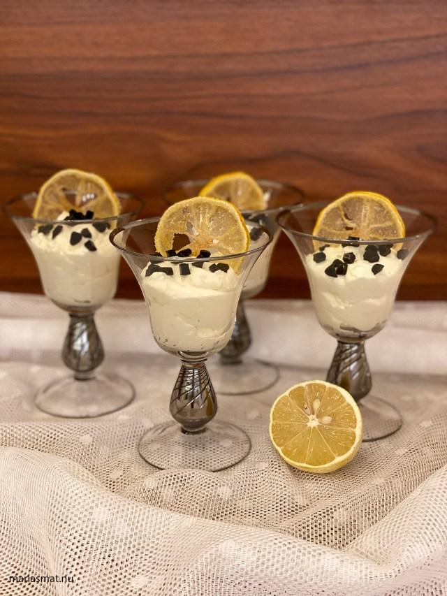 Citronmousse med lakrits