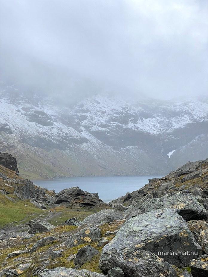 Magiskt vackra Trollsjön