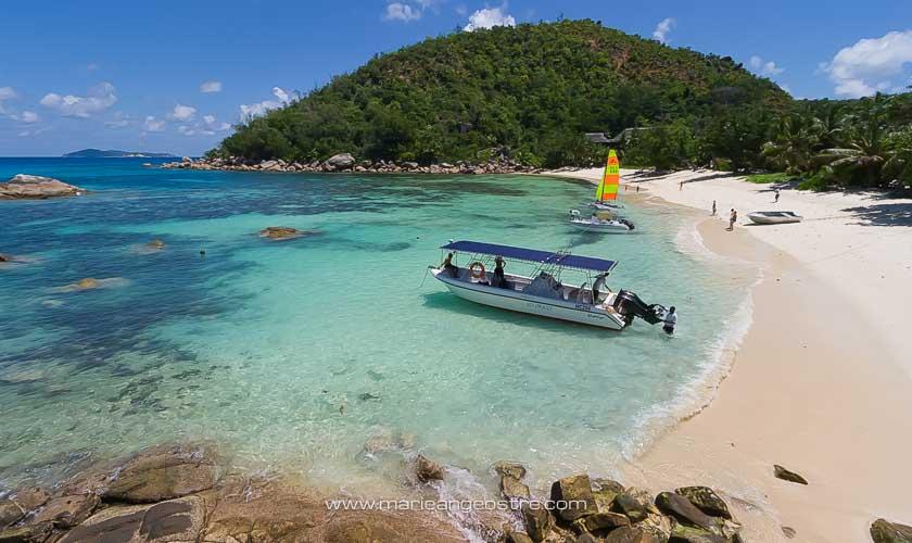 Seychelles, plage de l'hôtel Lémuria Resort sur l'île de Praslin © Marie-Ange Ostré