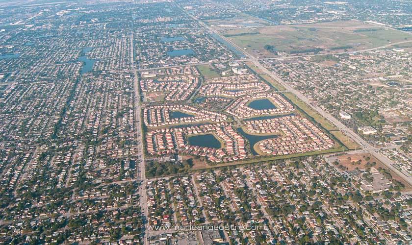 Miami, survol de la banlieue de Miami, Floride © Marie-Ange Ostré