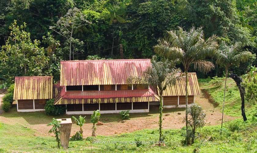 Guyane, village de Ouanary en forêt amazonienne entre Guyane et Brésil © Marie-Ange Ostré