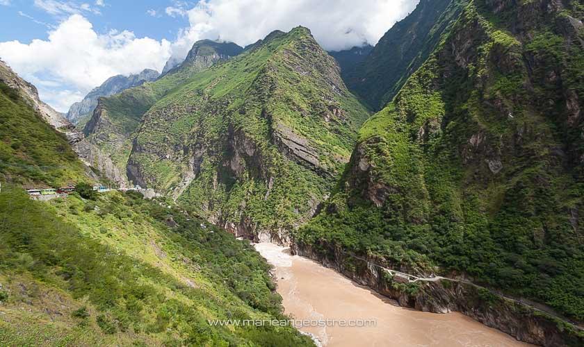 Chine, Gorges du Saut du Tigre sur le Yang Tsé Kiang, Yunnan © Marie-Ange Ostré