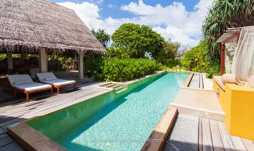 Maldives, Four Seasons Landaa Giraavaru, beach villa et sa piscine privée © Marie-Ange Ostré