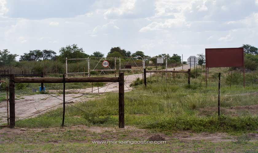 Botswana, poste frontière avec la Namibie © Marie-Ange Ostré