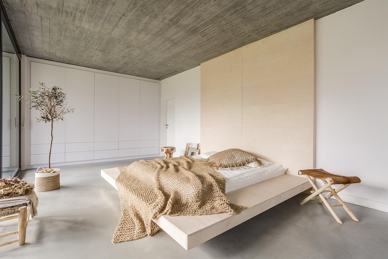 Minimalist Bedroom: 10 Best Minimalist Bedroom Designs ... on Minimalist Room Design  id=30030