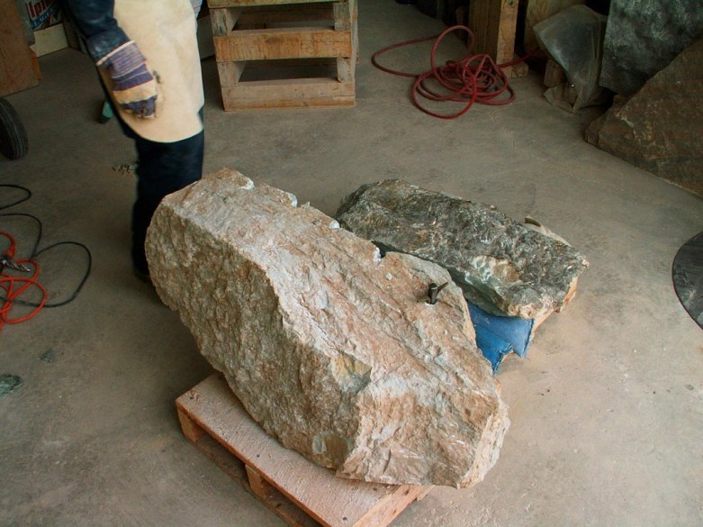 Transformer la pierre. Photo: Rodolphe Caron