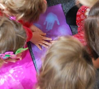 Smart-Play_Smart-Textile-Workshop-at-nursery-by-Marie-Ledendal-2b