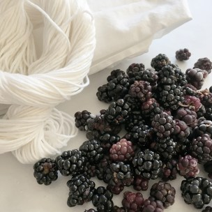 Natural-Dye_Cotton_Blackbarries_3_Marie-Ledendal-web