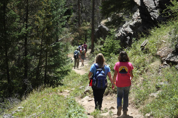 rules of hiking etiquette
