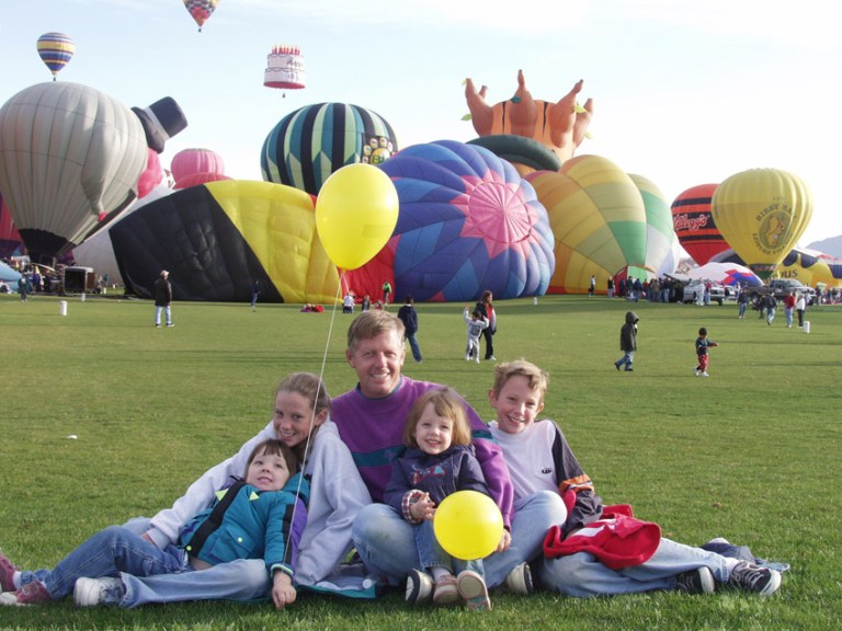 family photos at balloon fiesta