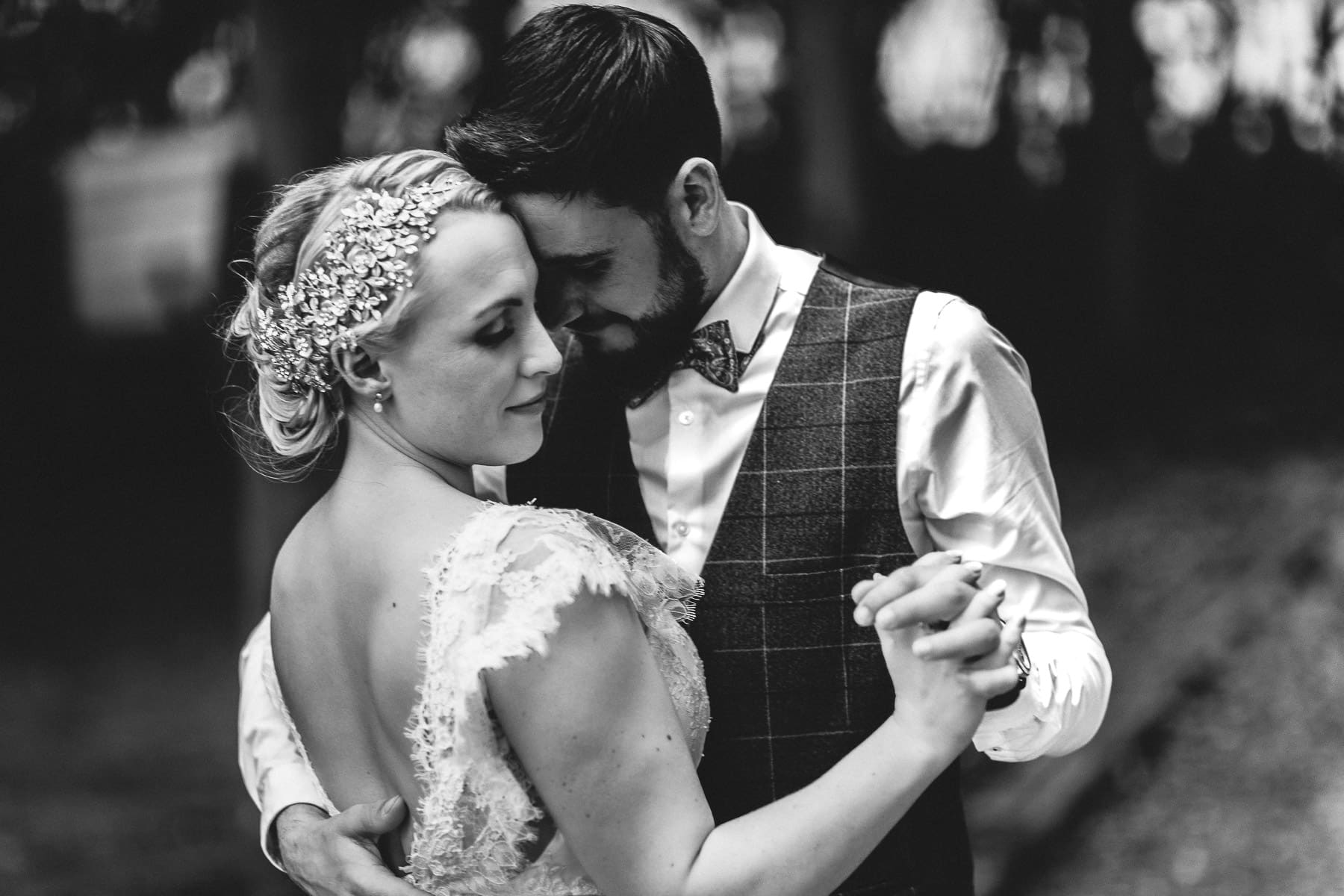Wedding photography portrait of wedding couple dancing at sougthon hall