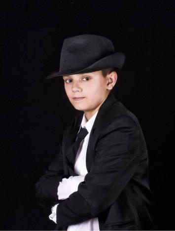 Portret; Gangsterfeestje groep 8 (c)