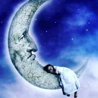 lune fille nuit réalité