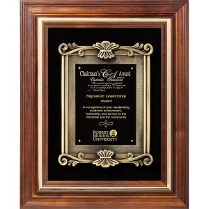 P816 Walnut Plaque with Black Velour MARIETTA TROPHY
