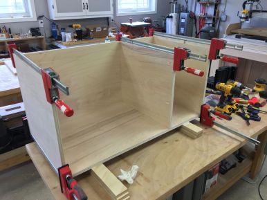Assembling workbench cabinet