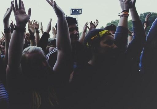 Eclipse crowds