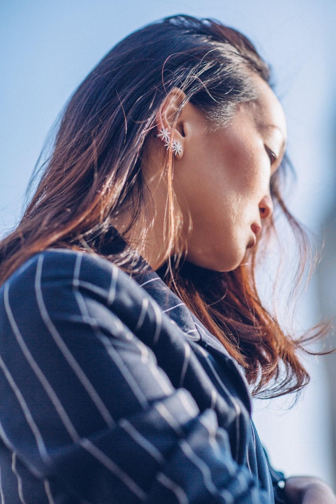 Mariko Kuo at Big Ben in Gestuz suit