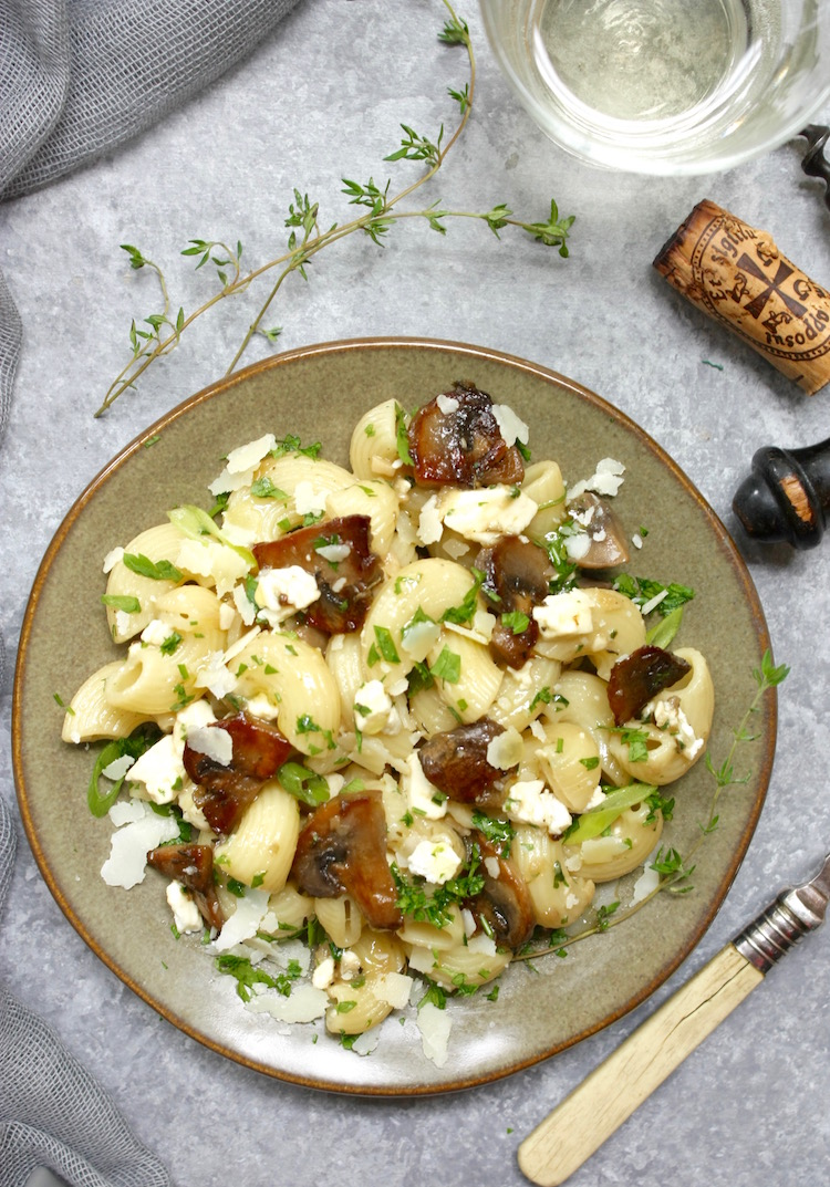 Pasta with mushrooms, feta and pecorino