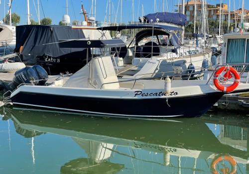 Barca Pescatutto Marina4 Caorle Porto santa Margherita