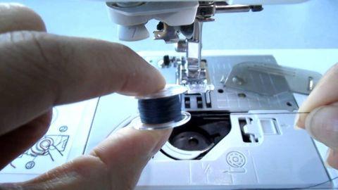 Como poner el hilo de la canilla(costura)(2)