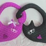 Cojín Corazones gatos entrelazados