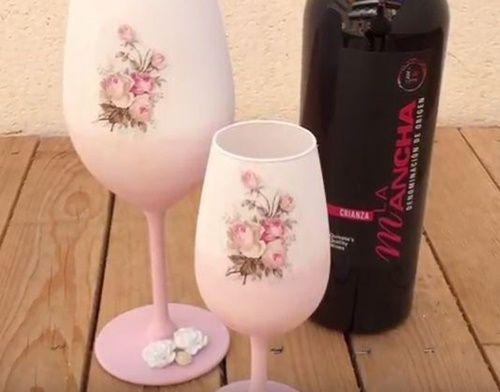 Cómo decorar copas de cristal con decoupage
