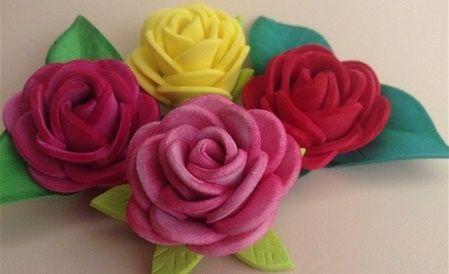 DIY para hacer rosas con goma Eva