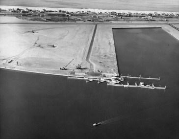 Aerial 1962: Fuel Dock WS Marina Peninsular