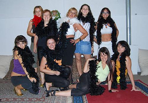 clase-striptease-baile-con-boa-10