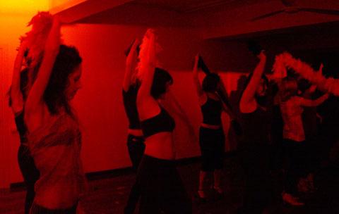 stripdance_bailongu-01