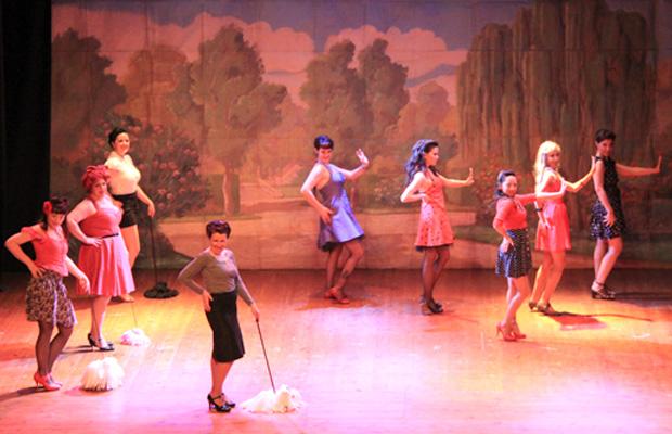 actuacion-baile-burlesque-pinup