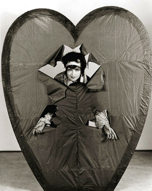 valentines-day-pinup-clara-bow