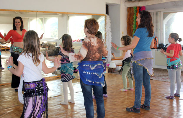 clase-danza-vientre-fiesta-aniversario-infantil-6