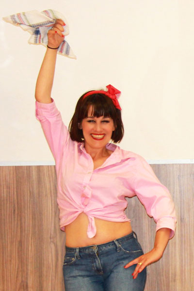 marina-salvador-baile-pin-up