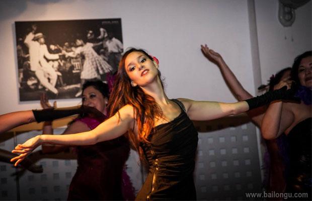 actuacion-cursos-burlesque-barcelona-2