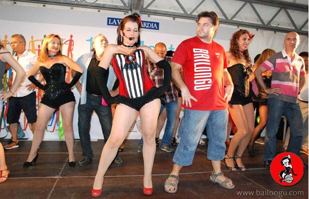 clase-burlesque-plaza-catalunya-2014-8