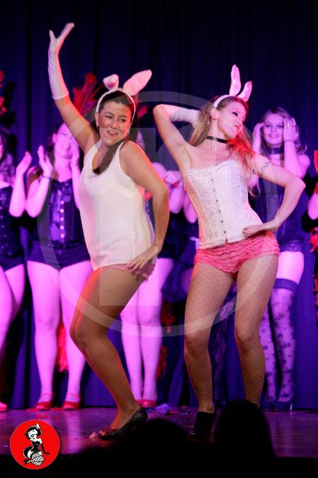 Actuacion-burlesque-barcelona-marina-salvador-conejitas-sexis-2