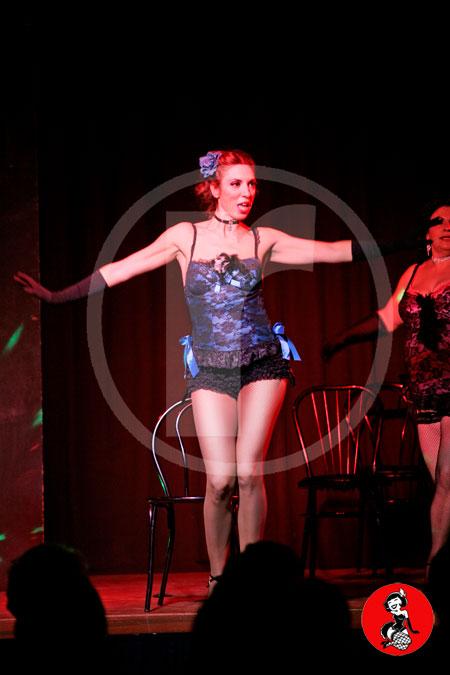 Actuacion-burlesque-barcelona-marina-salvador-sexy-chair-4