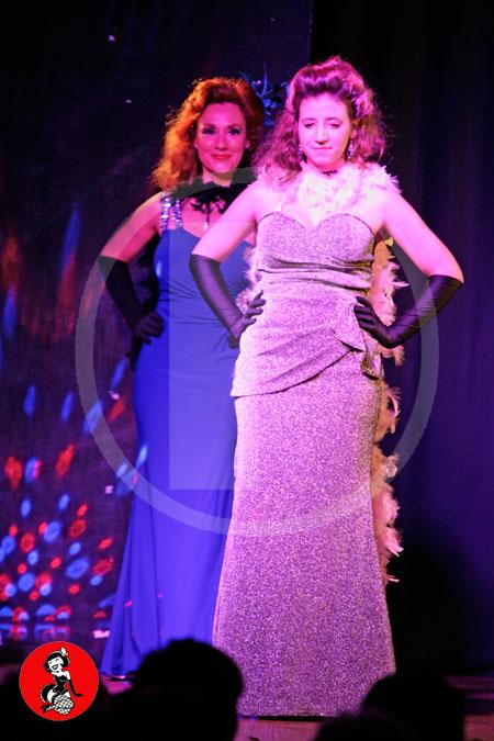 Actuacion-burlesque-barcelona-marina-salvador-vestido-glamour-3
