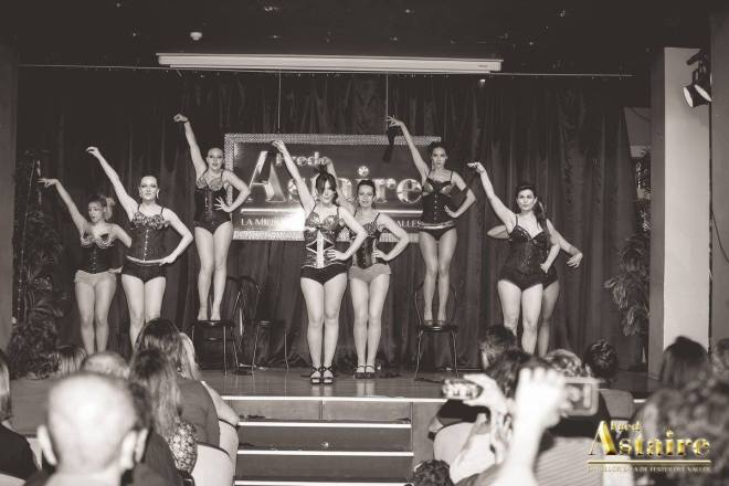Show-Burlesque-Actuacion-Marina-Salvador-12